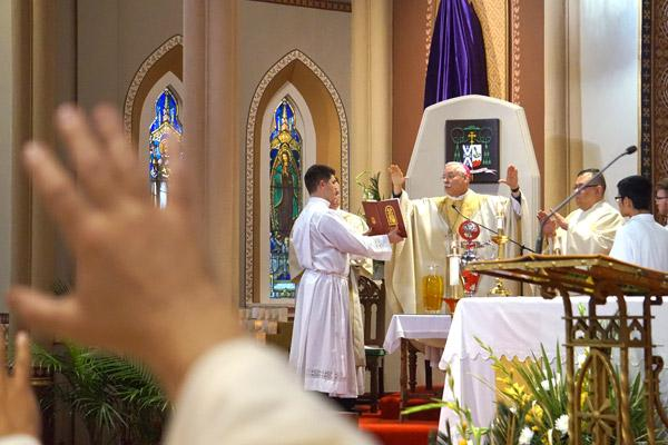 Oils used all year become holy during annual Chrism Mass - Arkansas