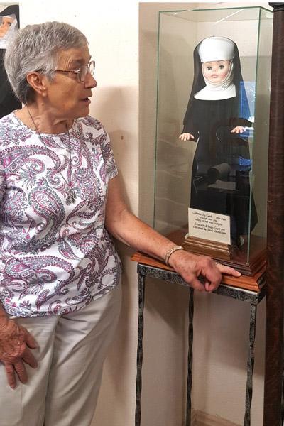 Benedictines open old monastery to auction off treasures - Arkansas